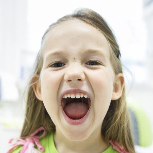 Odvážíte si přiznat, že za zubní kaz dítěte mohou rodiče?